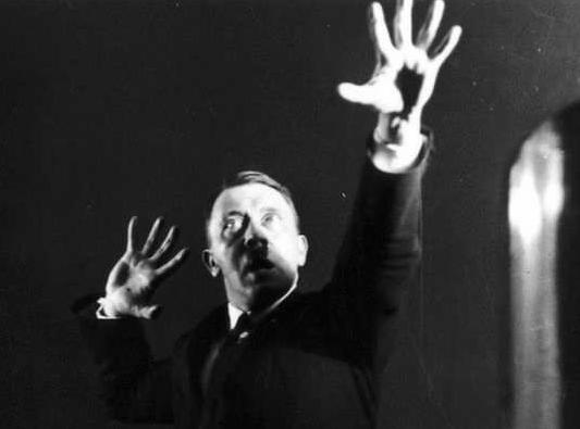 ヒトラー演説練習6